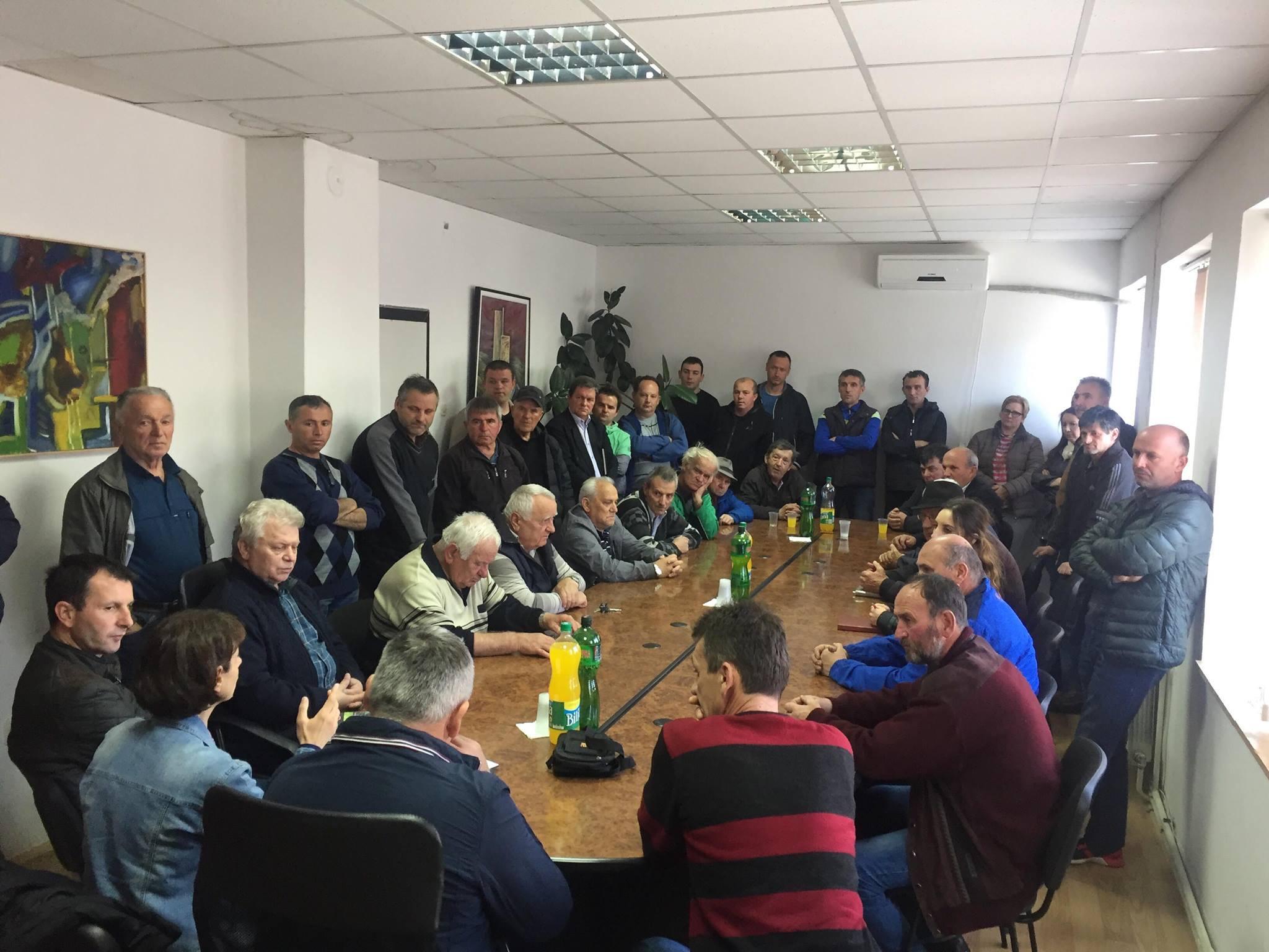 Средба помеѓу Координатиното тело против изградба на депонија во Дебрца со Локалната самоуправа и месните заедници