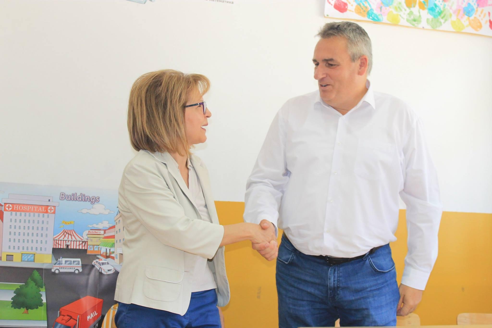Потпишан договорот за реконструкција на старата училишна зграда во Волино