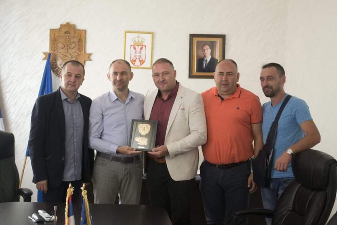Делегација од општина Дебрца во посета на Баточина