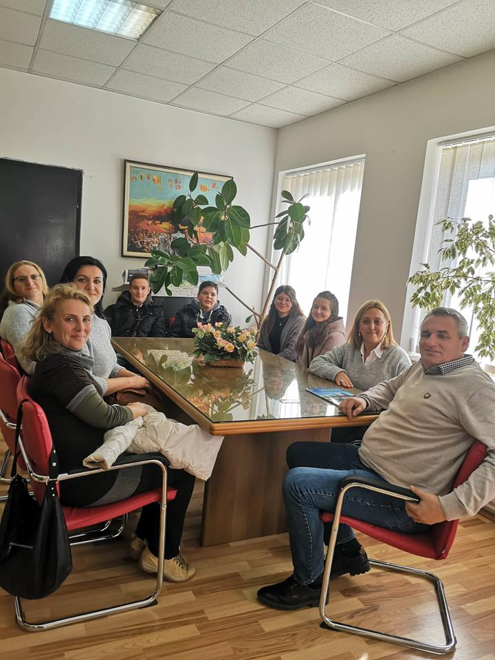 """Ногачески оствари средба со учениците и наставниците од ОУ """"Дебрца"""" учесници во Еразмус + програмата"""