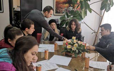 Исплатени првите рати од ученичките и студенските стипендии во рамки на Општина Дебрца