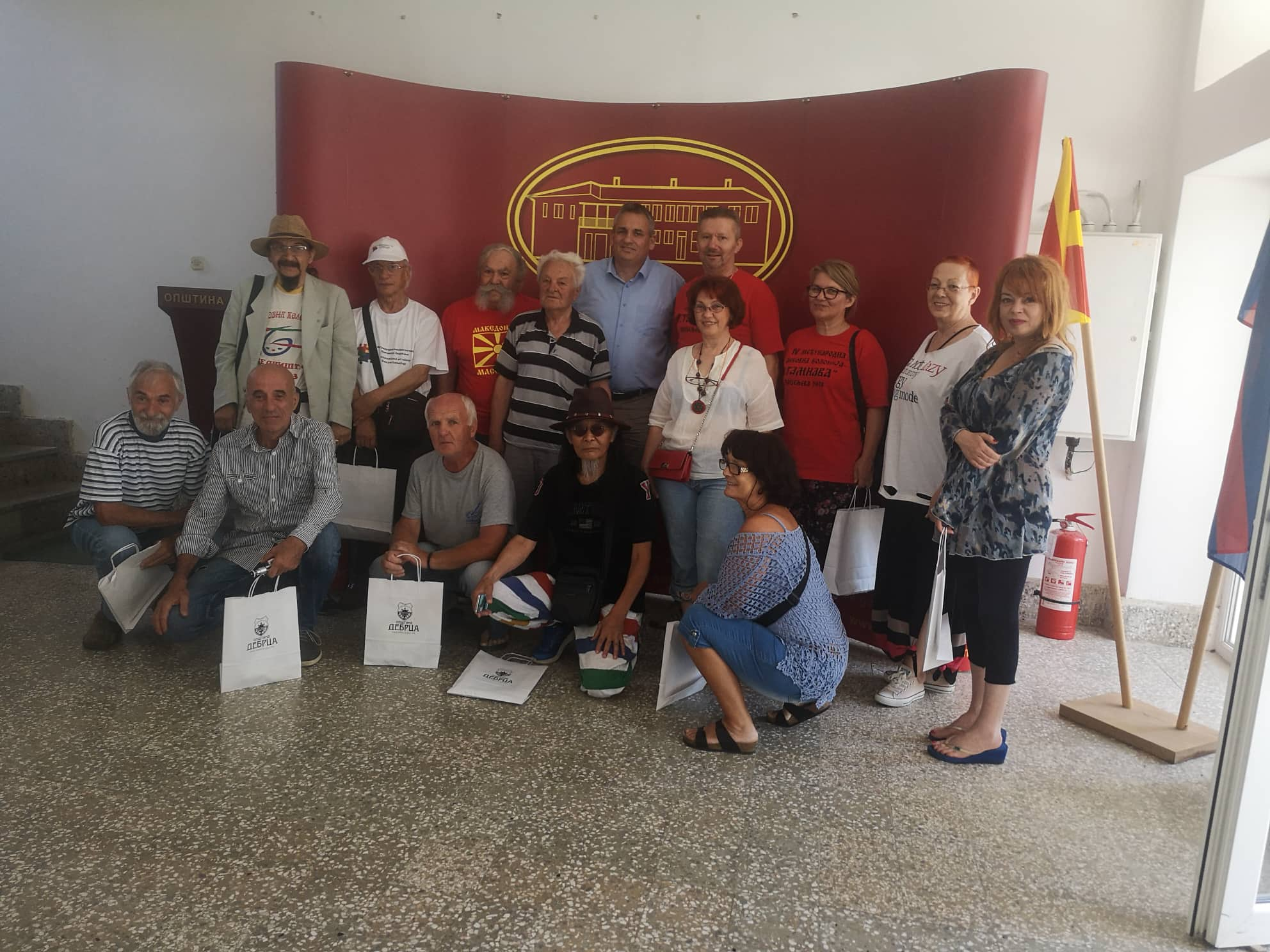 """Учесниците на 35-та Интернационална ликовна колонија """"Дебрца 2019"""" на прим кај градоначалникот"""
