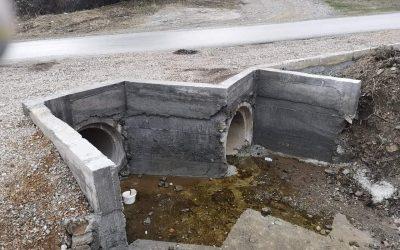 Продолжува проектот за изградба на бетонски пропусти на локални и полски патишта и улици во општина Дебрца