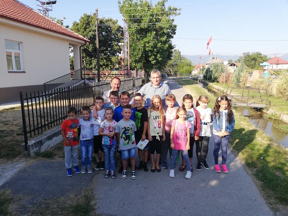 Честитка од градоначалникот Ногачески по повод почетокот на учебната година
