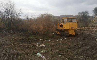 Интензивно се расчистуваат дивите депонии на територија на општина Дебрца