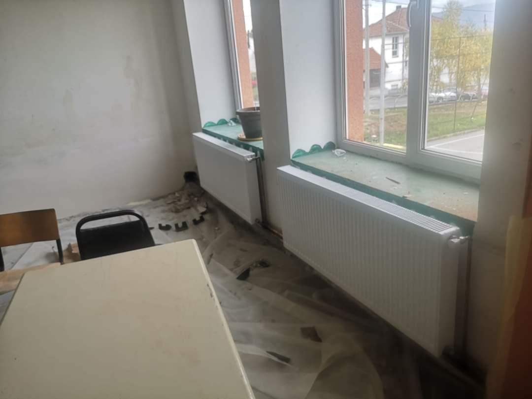 Се интензивира реконструкција на училишната зграда на ПУ с.Мешеишта