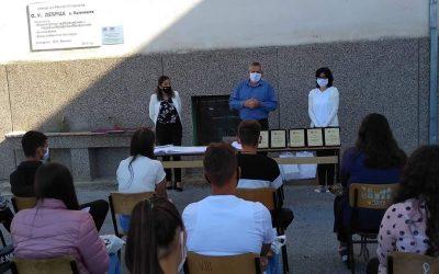"""Градоначалникот Ногачески присуствуваше на свеченото доделување свидетелствата на учениците од IX одделение при ОУ""""Дебрца"""""""